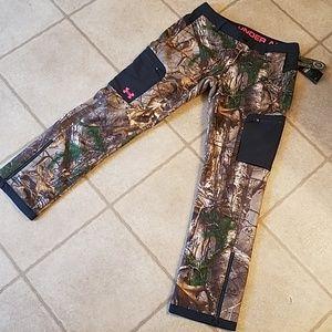 Women's UA mid season cold gear camo hunting pants